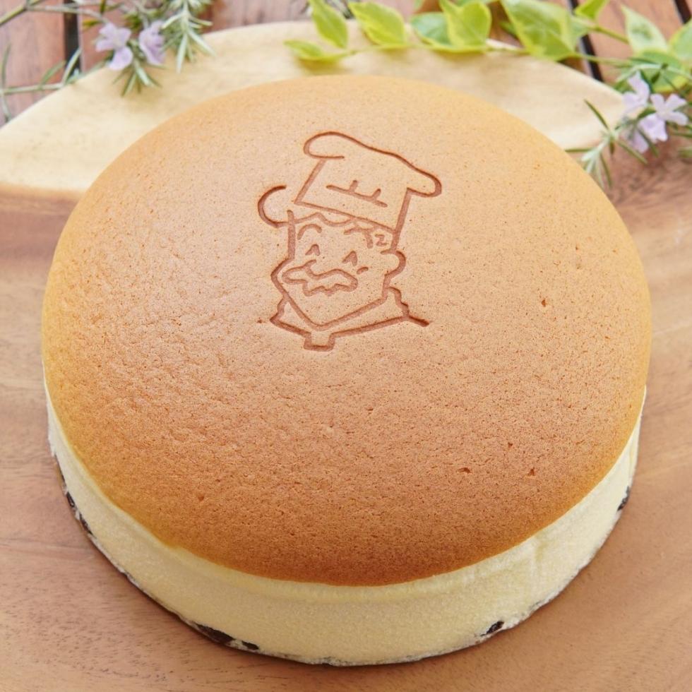 お取り寄せに最適!人気の りくろーおじさんの店 焼きたてチーズケーキ
